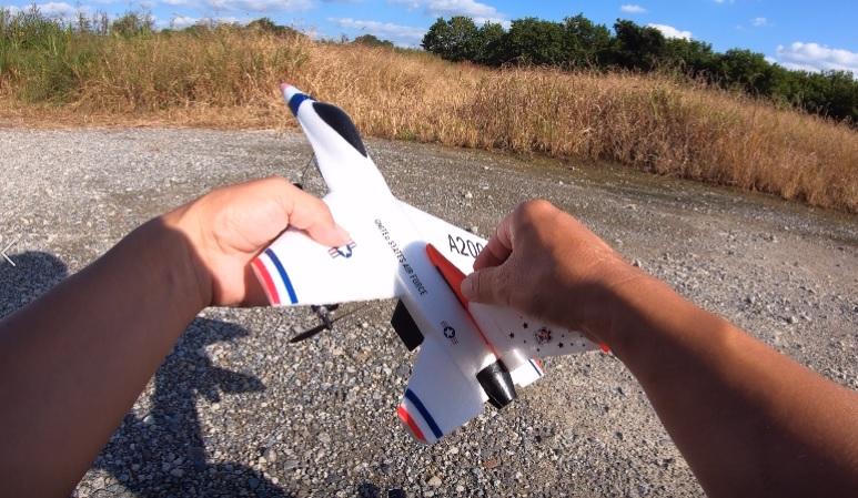DEERC ラジコン 飛行機 A200 レビュー【100g未満 グライダー】